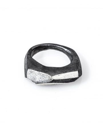 Anello ossidato in argento