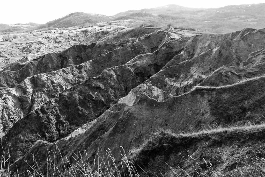 Anello sfaccettato Shining Badlands - foto Davide Musci
