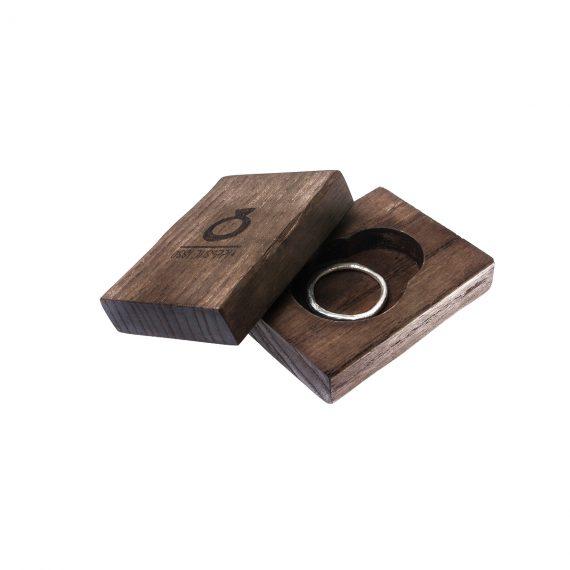 Packaging in legno con anello sottile Fumo dell'Etna