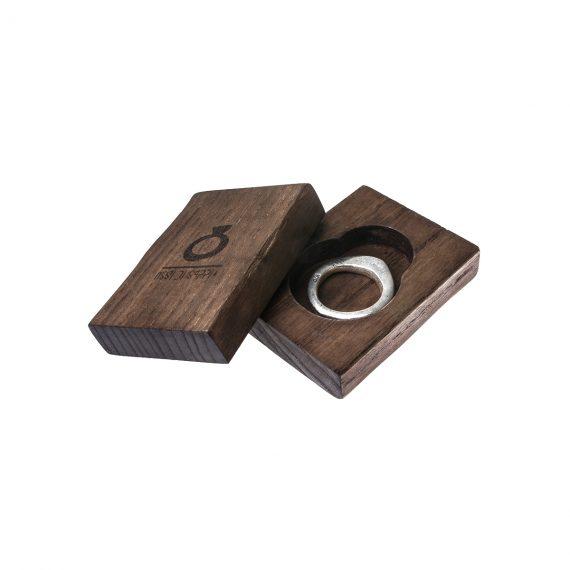 Packaging Ossi di Seppia in legno con anello sottile Foglia