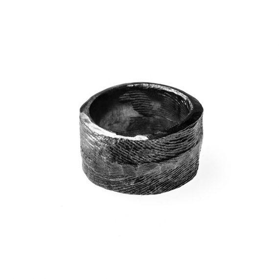 Anello artigianale - fusione in osso di seppia